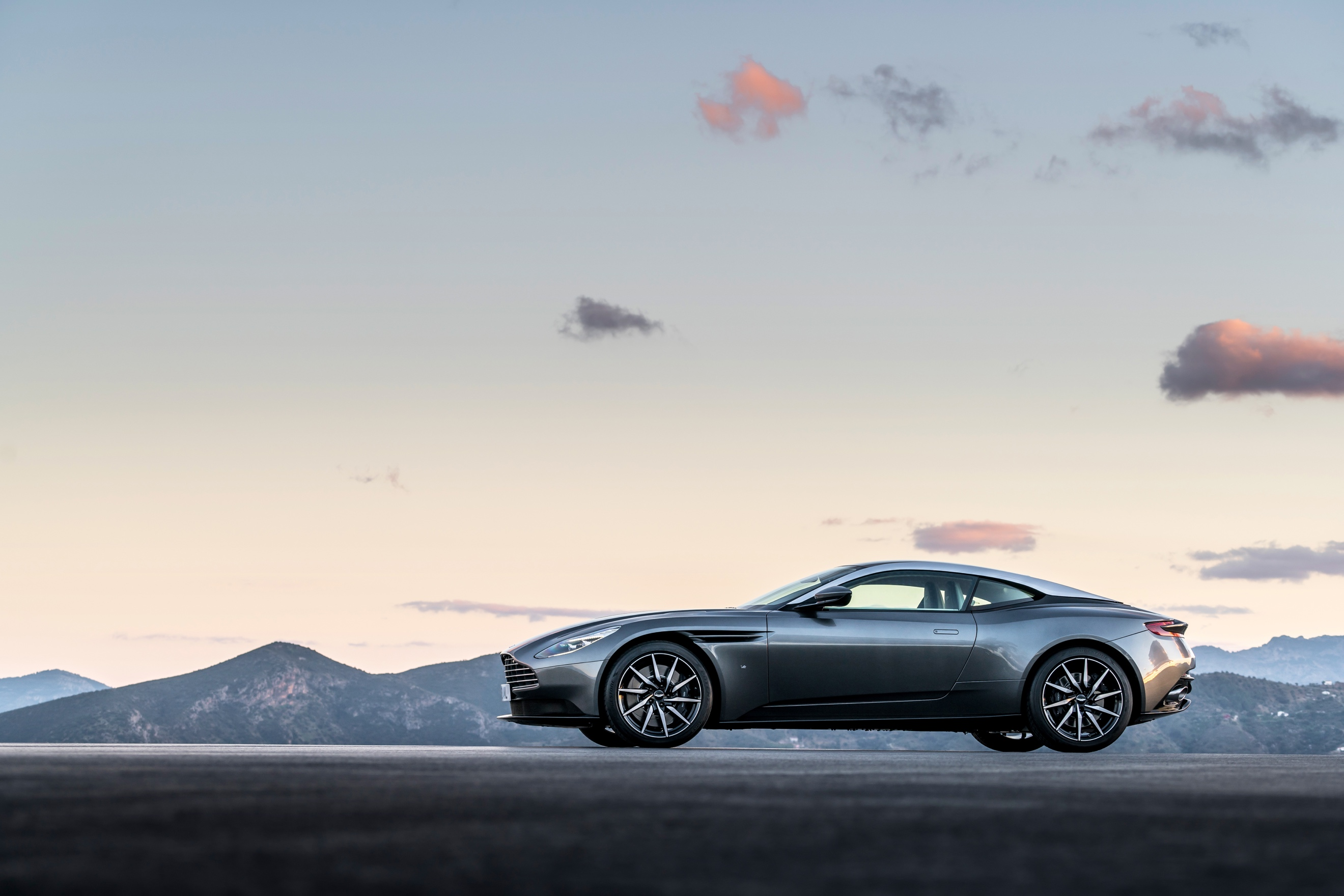 ../Press%20Kits/AstonMartin_DB11%20Press%20Kit%20-%20EMBARGO%2014/DB11%20Launch%20Photography%20(Registration%20Plate)/Aston%20Martin%20DB11_Embargo%20010316%201400CET_03.jpg